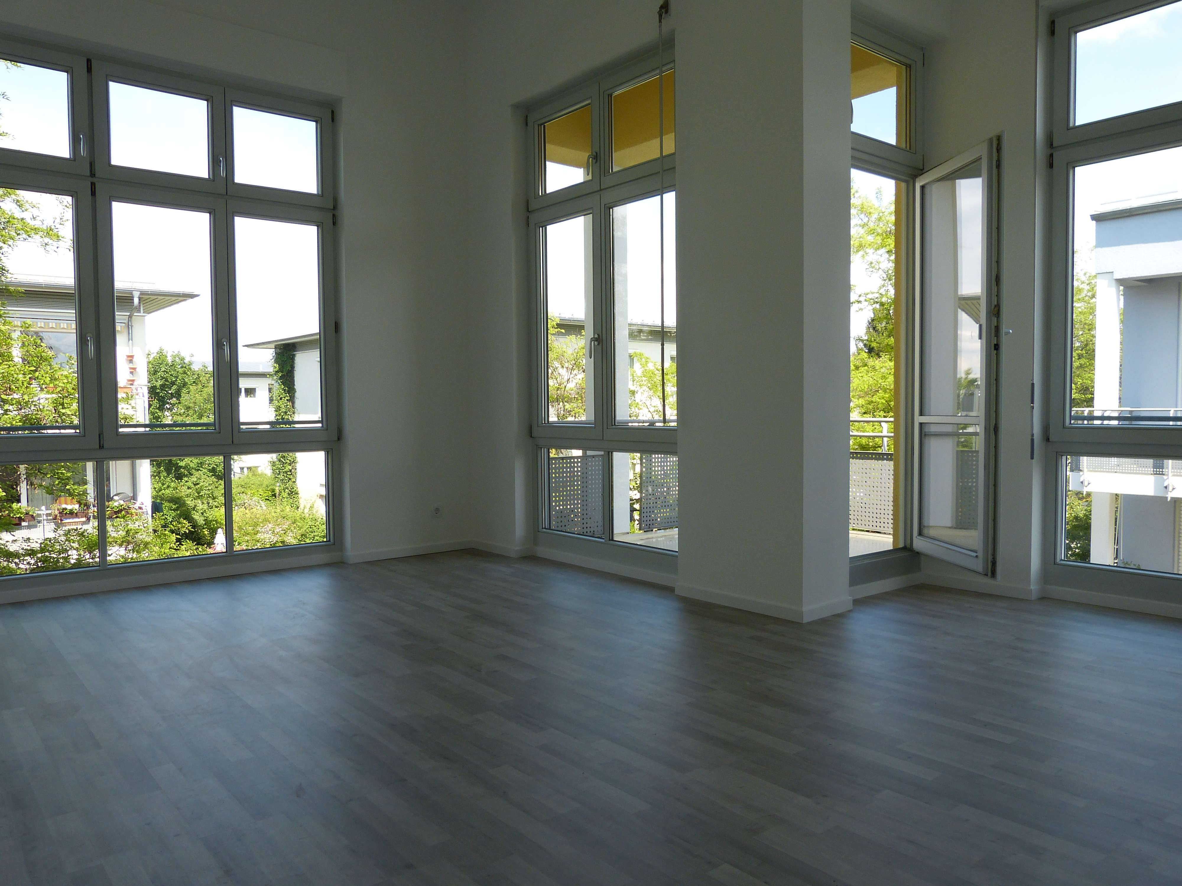 moderne helle 2-Zimmer-Wohnung mit Balkon und EBK Nähe Alte Allee