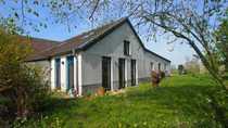 Doppelwohnhaus auf dem Lande mit