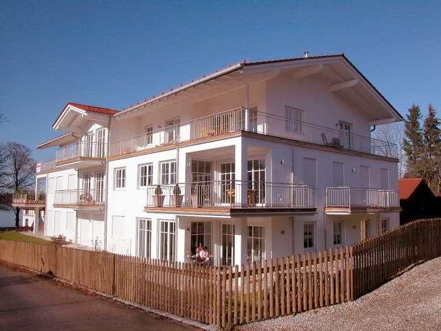 STARNBERGER SEE - OSTUFER/AMBACH - Exklusive Gartenwohnung