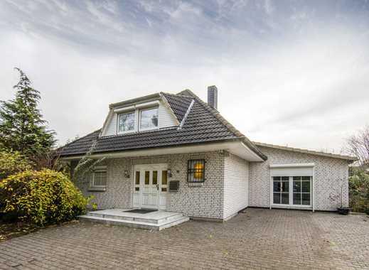CLASSIC IMMOBILIEN: Großzügige weiße Einfamilienhaus – Villa