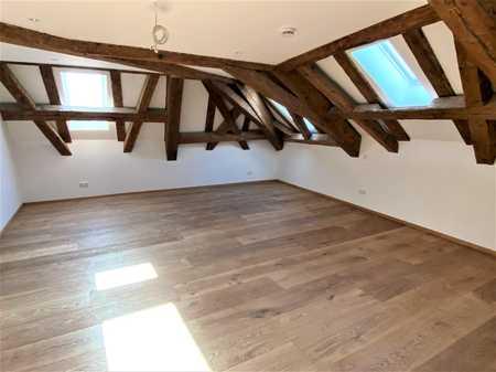 TOP exklusive Wohnung in denkmalgeschützten Ambiente mitten im Herzen Rosenheims! in Rosenheim-Innenstadt (Rosenheim)