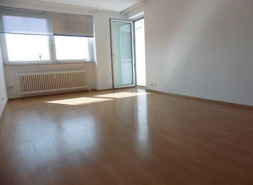 *AUFGEPASST* BEZUGSFREIE 4-Zimmer-ETW ca. 90 m²  *ZUM ATTRAKTIVEN PREIS*