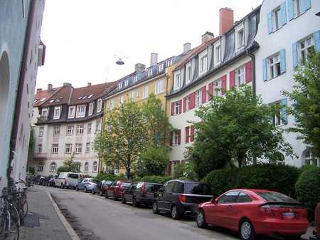 ISARNÄHE - Entzückende 2 Zimmer Altbau-Wohnung, Parkettboden, EBK, Gartenbenutzung, in ruhiger Lage in Thalkirchen (München)