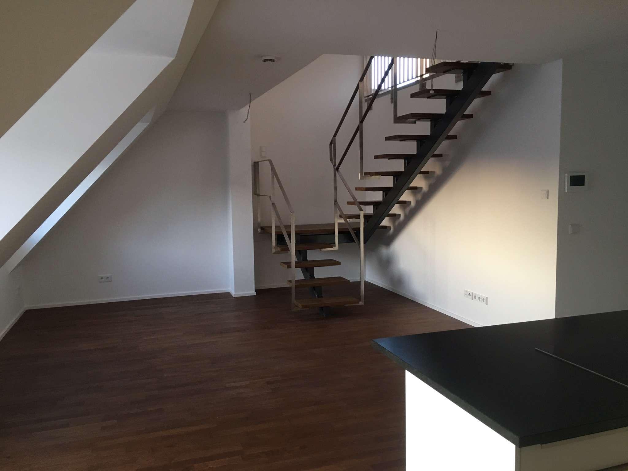 Exklusive 3-Zimmer DG Wohnung mit Galerie und Balkon in München Ost in Trudering (München)