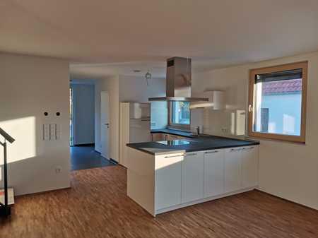 Erstbezug 112 m² Niedrigenenergiemaisonettewohnung mit herrlichem Blick über Neumarkt u. geringen NK in Neumarkt in der Oberpfalz (Neumarkt in der Oberpfalz)