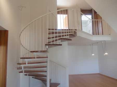Schöner Wohnen am Wöhrder See ! Exclusive 3-Zimmer-Galerie-Maisonette-Wohnung mit Dachterrasse in St. Jobst (Nürnberg)