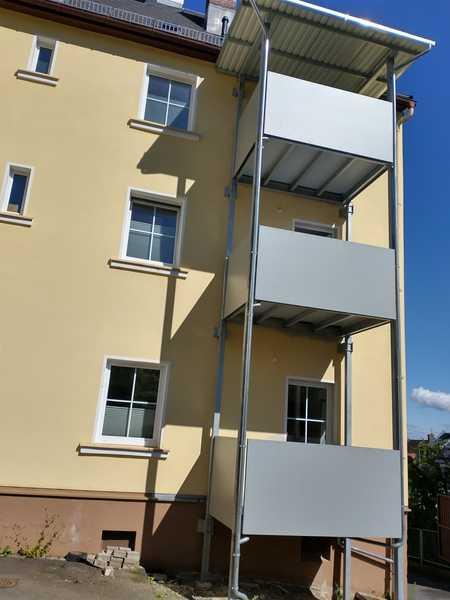 Sonnige und neuwertige 3-Zimmer-Wohnung mit Einbauküche und Balkon in Helmbrechts in Helmbrechts