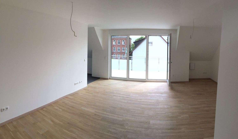 Schöne und Zentrale 3- Zimmer Whg zu vermieten -Erstbezug- in