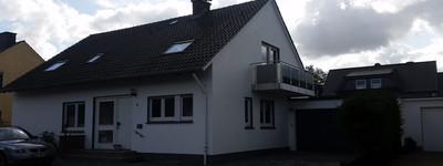 PreußOldendorf, im 2 Fam. Haus OG Whg 90m², 4ZKB, Stellplatz, Neu, 525?, Frei