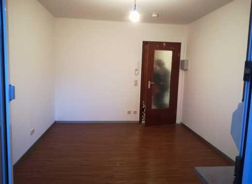 1 Zimmer-Wohnung mit Balkon und Tageslichtbad / ideal für Studenten  / Provisionsfrei