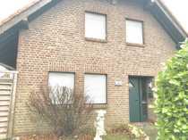 Freistehendes Einfamilienhaus mit fünf Zimmern