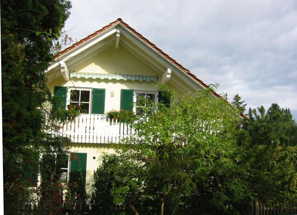 Schöne, ruhige 3,5 ZKB Wohnung u. sonniger West-Balkon in 2-Fam.-Haus von privat in Germering (Fürstenfeldbruck)