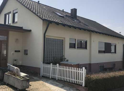 Große sonnige 3,5 ZW + 2 Zi mit Terrasse, Garten und Doppelgarage
