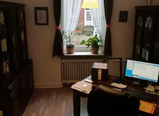 Sanierte 3-Zimmer-Hochparterre-Wohnung mit EBK in Heimfeld, Hamburg