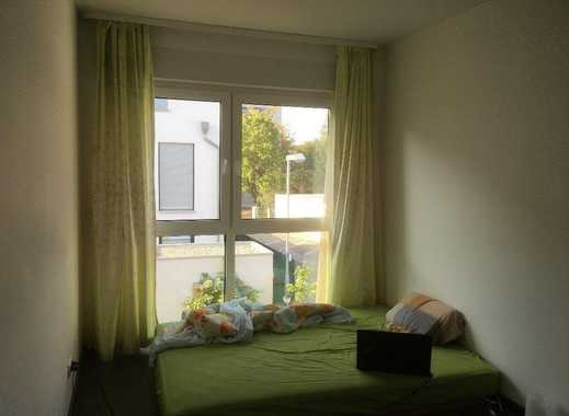 Super möbliertes 20qm Zimmer in der Stadt Berlin.