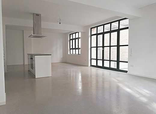 Exklusive und modernisierte Loft-Wohnung mit Terrasse und EBK in Stuttgart-West