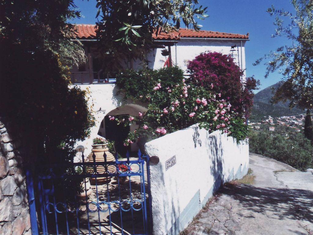 Altes, stilvolles Steinhaus mit drei Zimmern in Tyros