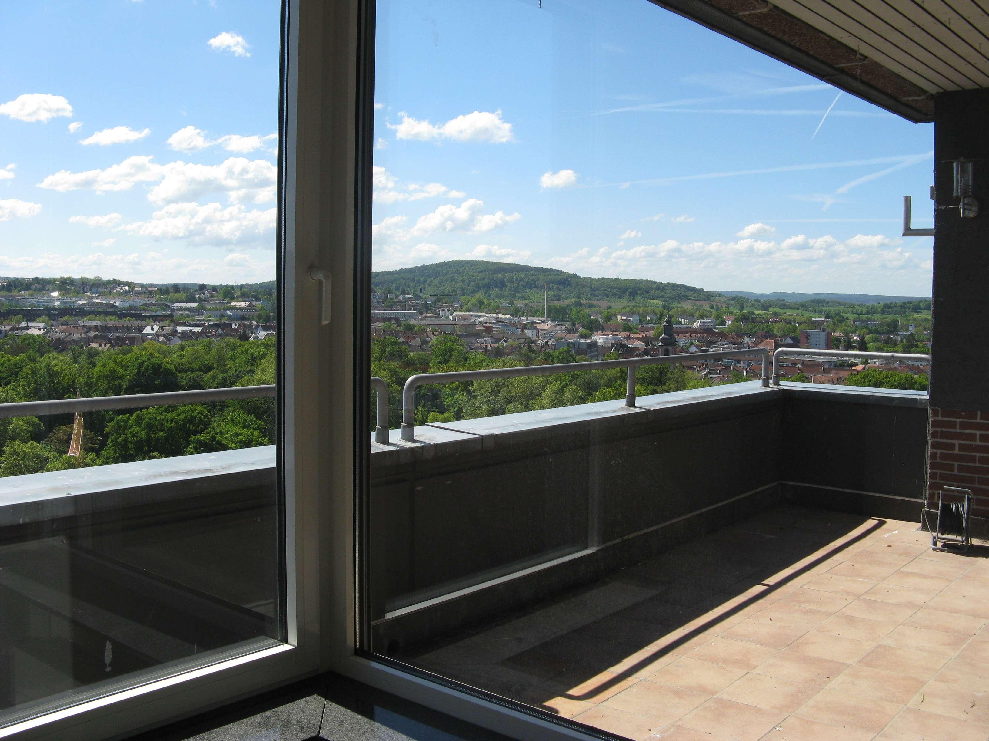 Aschaffenburg - 3 -Zimmer-Wohnung mit Balkon zu vermieten