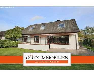 Großzügiges Einfamilienhaus mit schönem Garten und Doppelgarage in Alveslohe