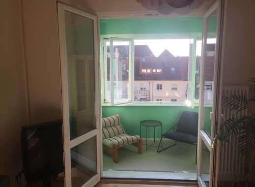 Möbelierte 2-Zimmer-Wohnung mit Süd-Loggia in Pankow, Berlin