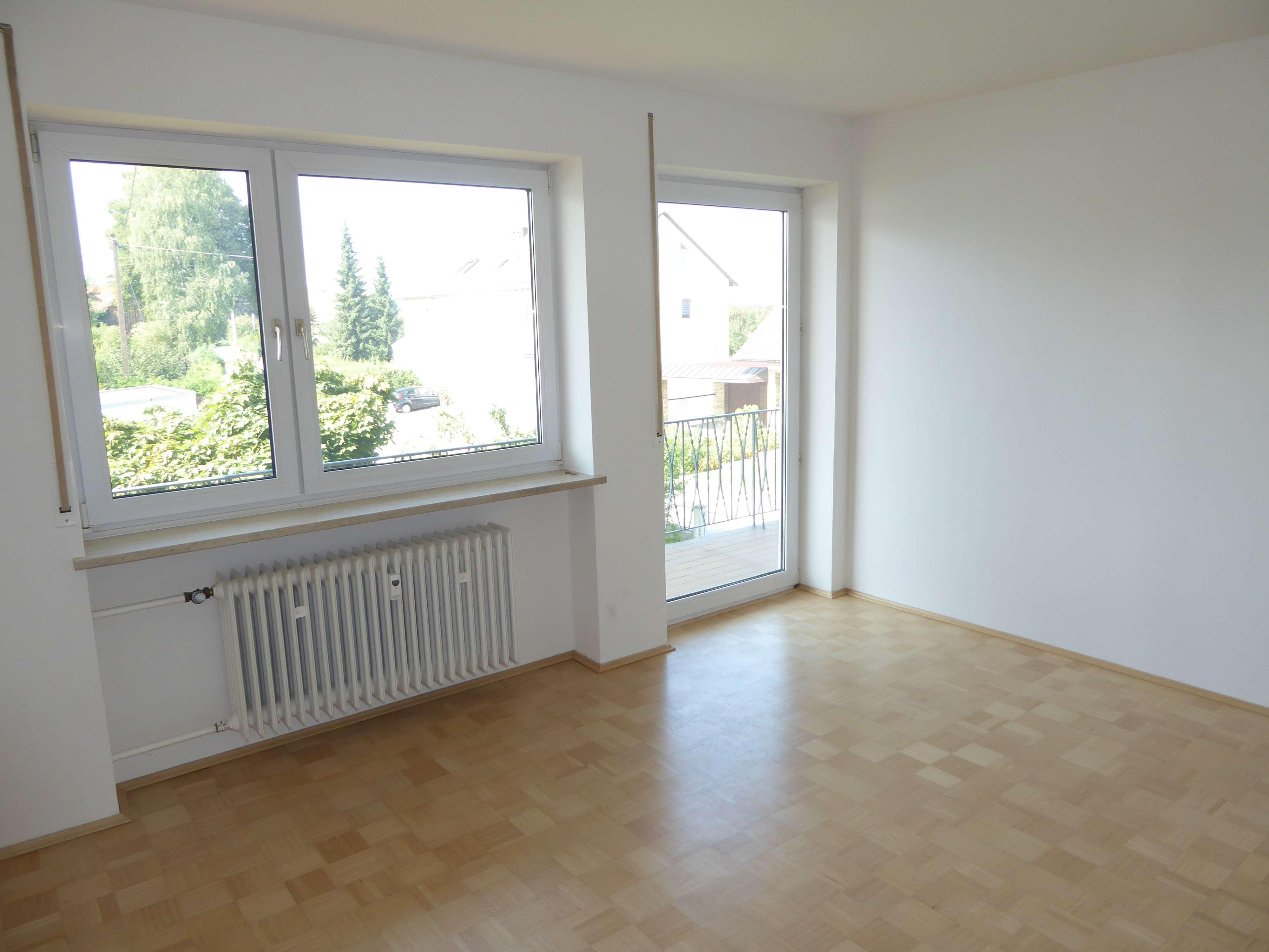 Helle 4 ZKB Wohnung mit Balkon! in Gessertshausen