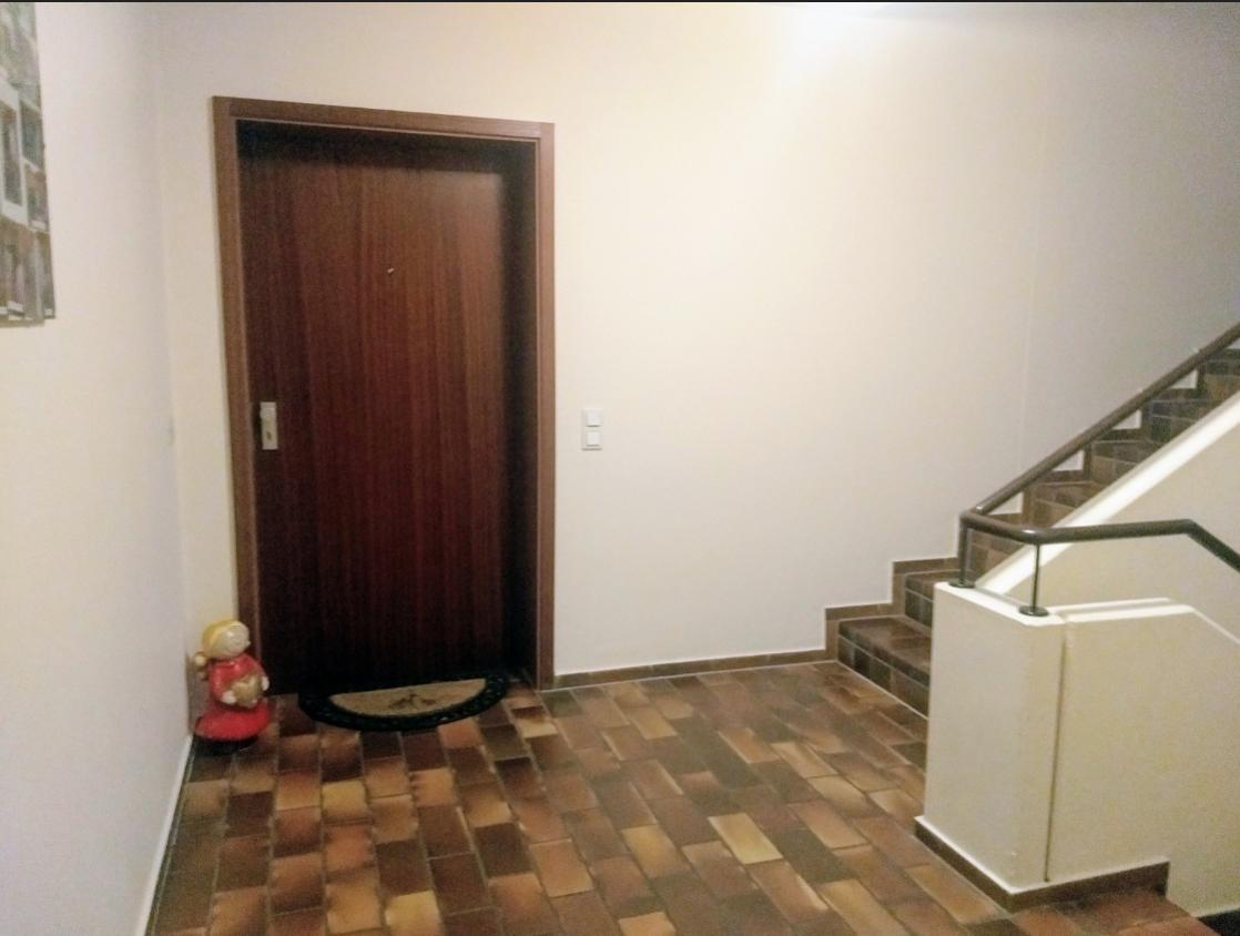 Terrassen-Wohnung,  4-Zimmer, MÖBLIERT in Aubing (München)