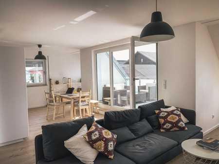 Sehr Helle & Freundliche 3-Zimmer-Wohnung mit Dachterasse und EBK in Wörth an der Isar in Wörth an der Isar