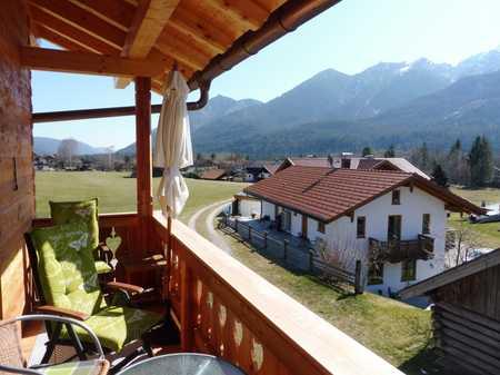 Baujahr 2018: Stilvolle 2-Zimmer-Wohnung mit Panorama-Balkon inmitten der Natur (Wallgau) in Wallgau