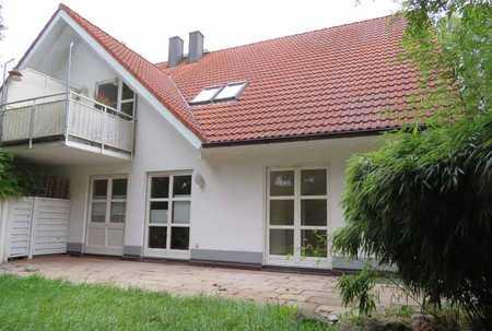 Gepflegte Erdgeschosswohnung mit sonniger Terrasse und eigenem Garten, in Gröbenzell