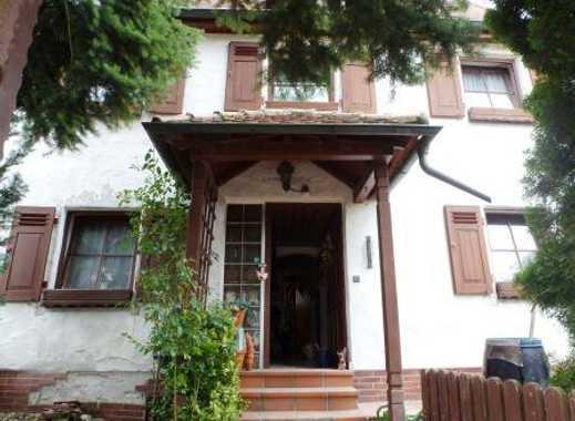 Kleines älteres Haus mit Charme und nettem Vorgarten