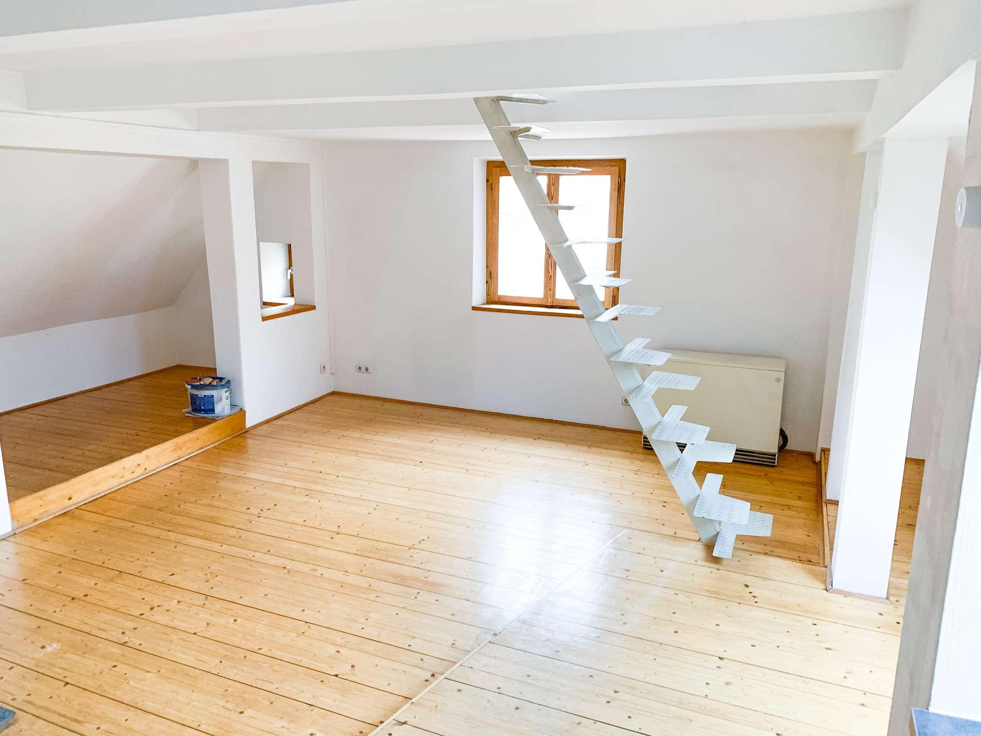 Charmante, idyllisch-gelegene Wohnung mit Einbauküche auf 2 Ebenen in Reinhausen (Regensburg)
