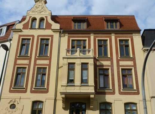 Schöne Wohnung im Herzen von Wismar mit sonnigem Erker und schöner Einbauküche.