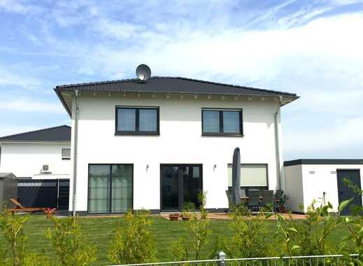 Freistehende Stadtvilla inkl. Grundstück in Neuenkamp, unmittelbar am Rhein inkl. Fußbodenheizung