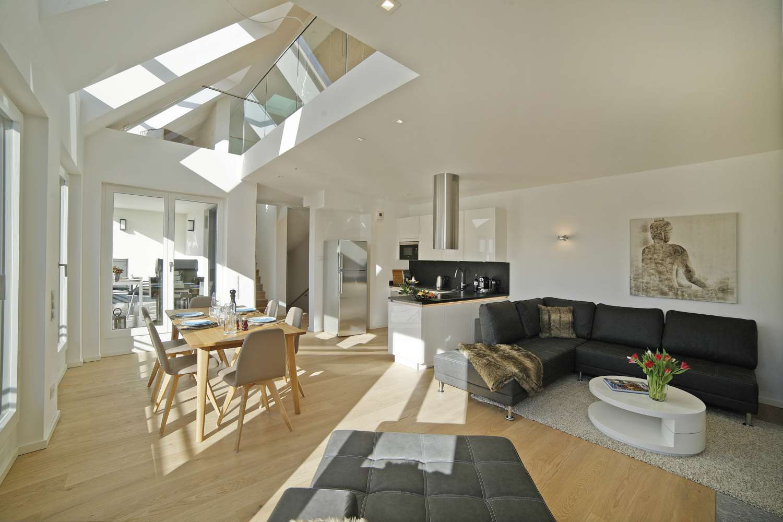 Eindrucksvolle, außergewöhnlich & exklusiv möblierte 3-Zimmer Dachgeschoss-Maisonette