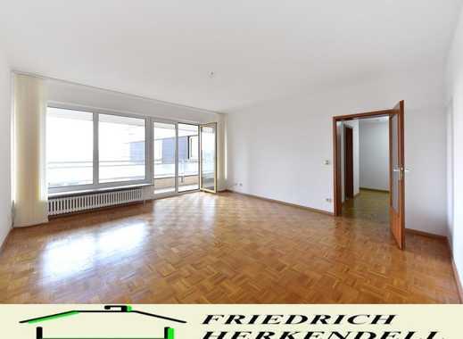 Parkettböden + Einbauküche + Süd-Balkon mit Fernsicht + PKW-Stellplatz