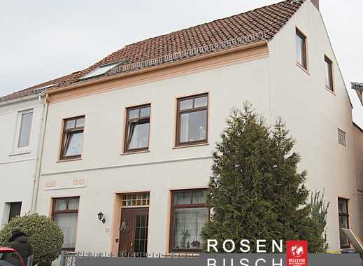 Reserviert-Provisionsfrei-2 Familienhaus + Baugrundstück !!!