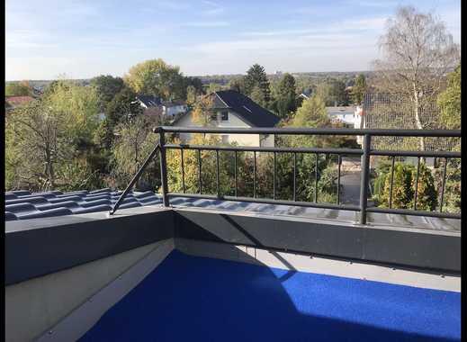 Vollständig renovierte 4-Zimmer-DG-Wohnung mit Balkon in Bonn - Von Privat