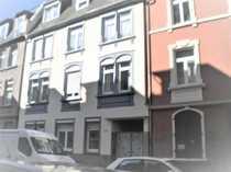 Exklusive modernisierte 2-Zimmer-Dachgeschosswohnung mit EBK