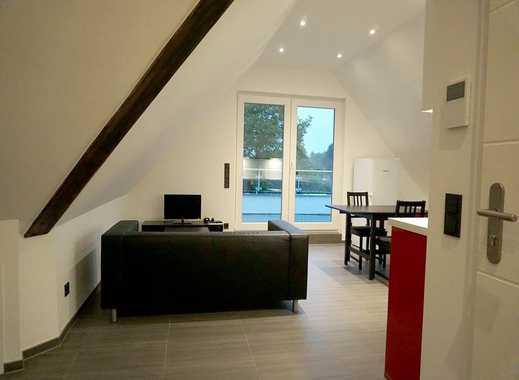 Hochwertige, voll möblierte 2-Zi-Dachgeschoss-Wohnung mit Einbauküche und großzügiger Dachterrasse