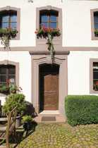 Historische Hofanlage mit angrenzendem Grünland