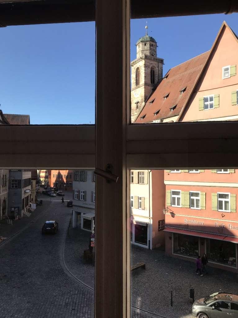 Dinkelsbühl von seiner schönsten Seite, modernisierte 2,5 Zimmer Altbauwohnung in prominenter Lage