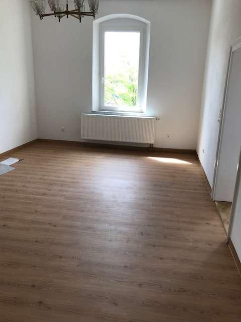 Renovierte 4-Zimmer-Wohnung in zentral gelegenem Altbau