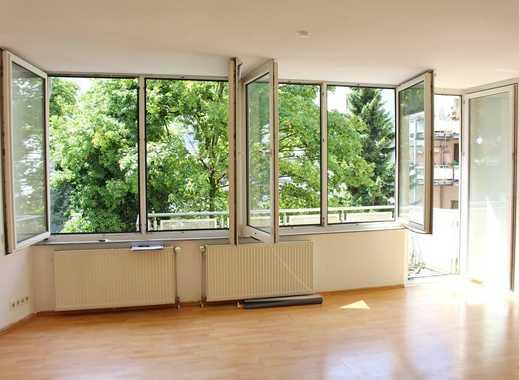 Downtown-Bilk: Große 2,5-Zimmerwohnung mit offenem Grundriss & Balkon