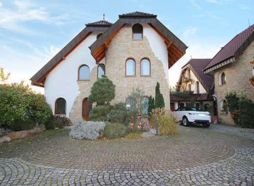 Stilvolle Dachgeschosswohnung für höchste Ansprüche!