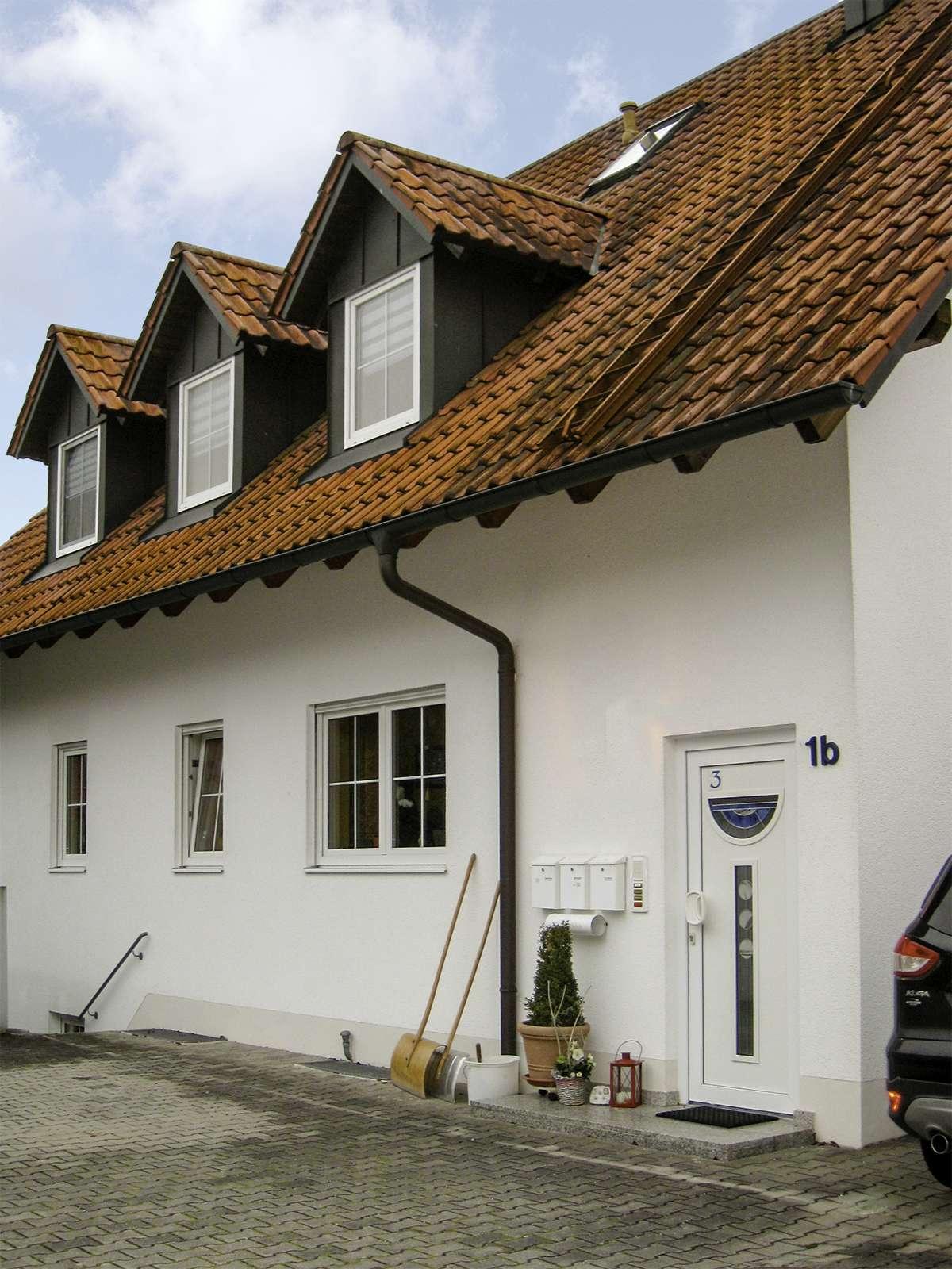 Herrliche 2-Zimmer Wohnung im UG mit Terrasse, Gartennutzung in