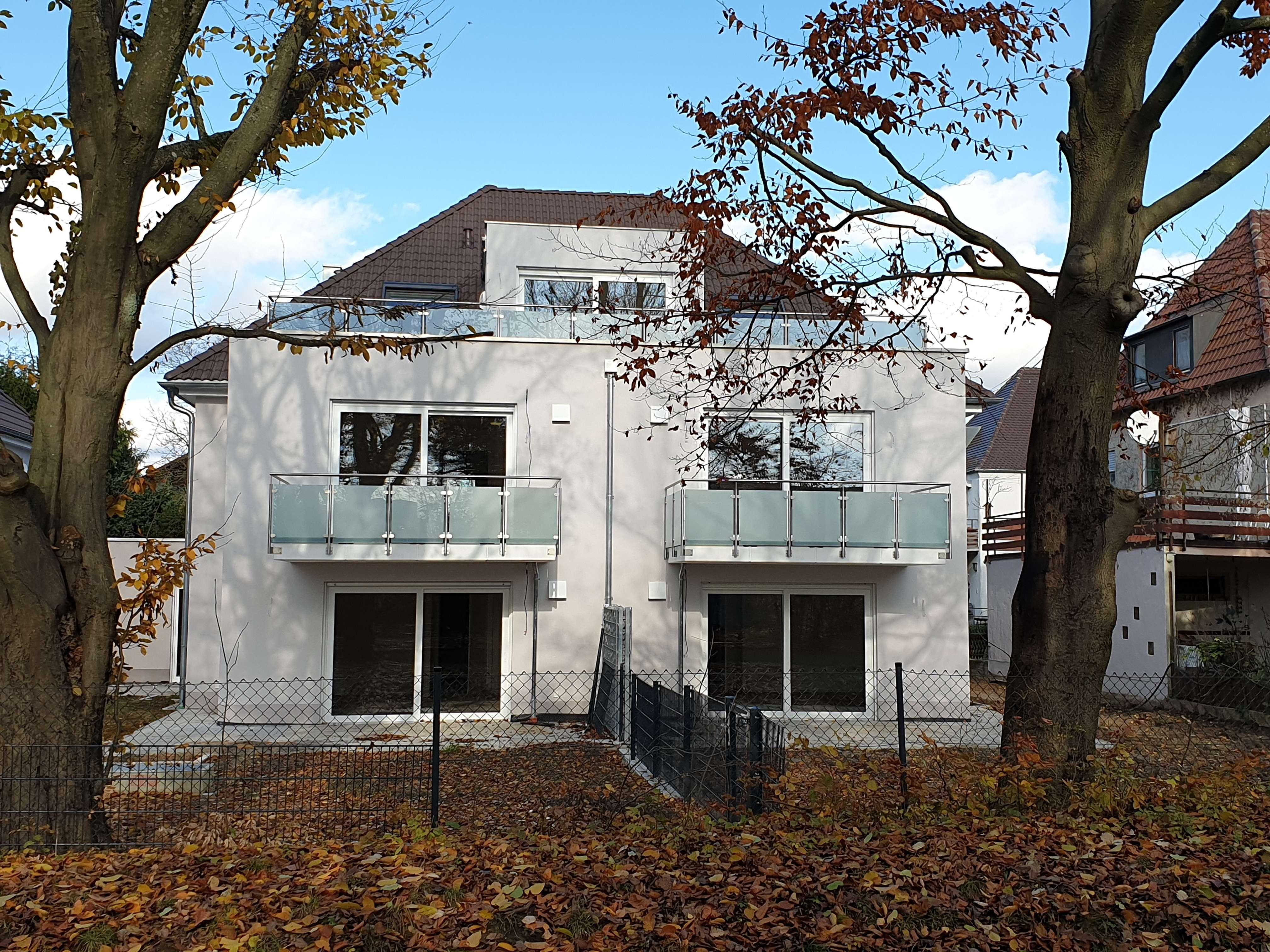 Erstbezug helle 3-Zimmer-Dachgeschosswohnung mit 2 Dachterassen Nähe Klinikum in Stadtbergen in Stadtbergen