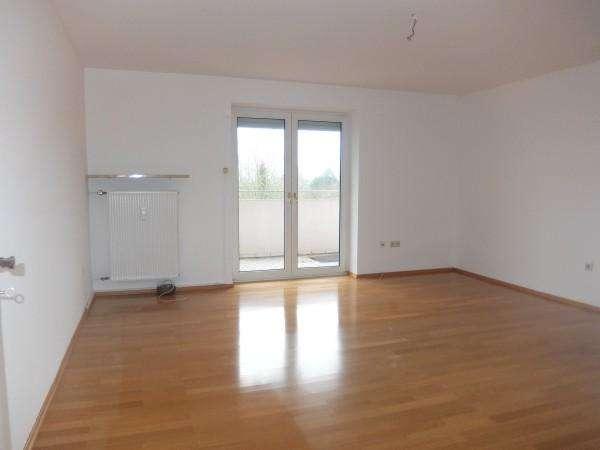 15_WO6406 Helle, ruhige 2-Zimmerwohnung mit großem Westbalkon und Weitblick auf die Winzerhöhe un... in Westenviertel (Regensburg)