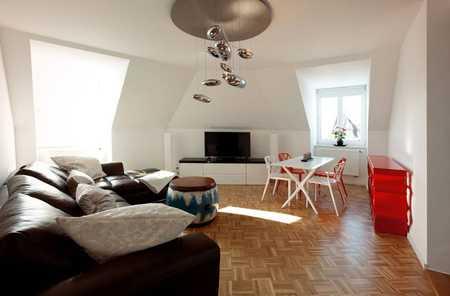 Lichtdurchflutete exklusive DG-Wohnung in Top-Lage Schwabing von Privat in Schwabing-West (München)