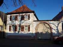 Einfamilienhaus mit großer Scheune im