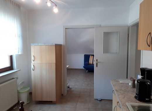 Gepflegte 1-Zimmer-DG-Wohnung mit EBK in Rodenkirchen, Köln